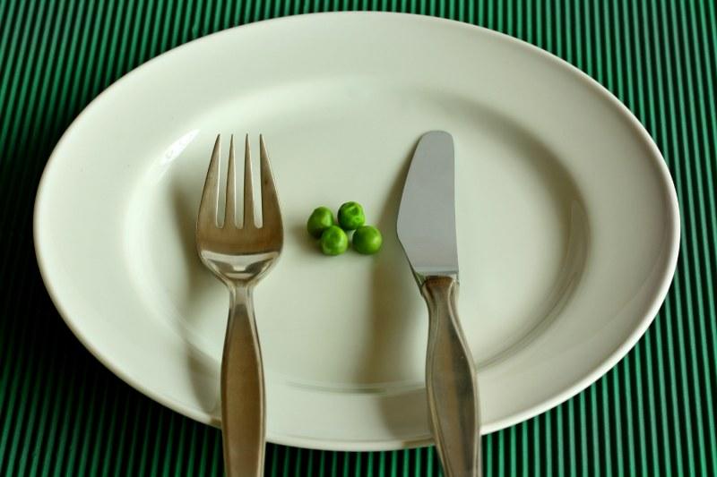 Речь идет не о соблюдении какой-то специальной диеты, а о расчете калорийности в соответствии с потребностями организма.