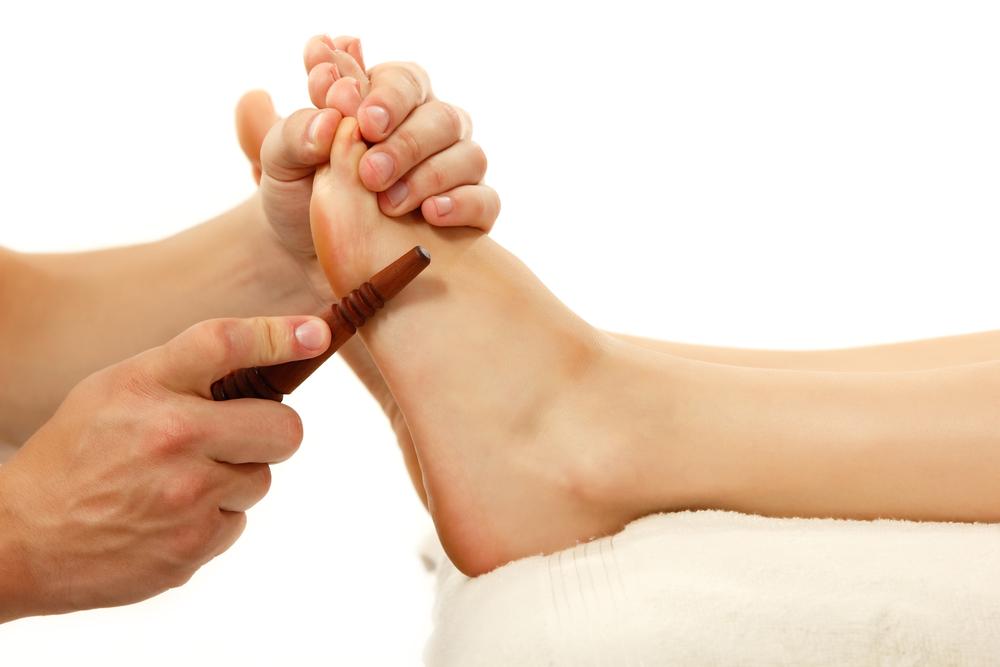 Как быстро и эффективно лечить косточку на ноге народными средствами