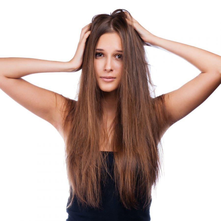 Почему в 30 лет у женщин начинают выпадать волосы