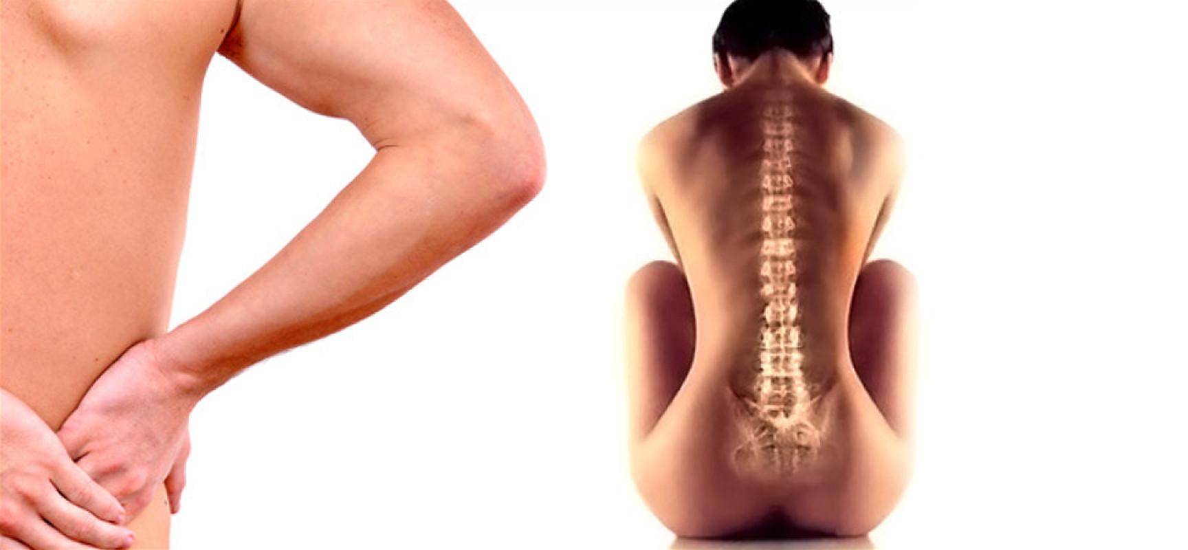 Сдавливание нервов между позвонками происходит вследствие разных факторов: Постоянный перенос тяжестей, Занятие спортом на профессиональном уровне, Плохое состояние костей и т.д.
