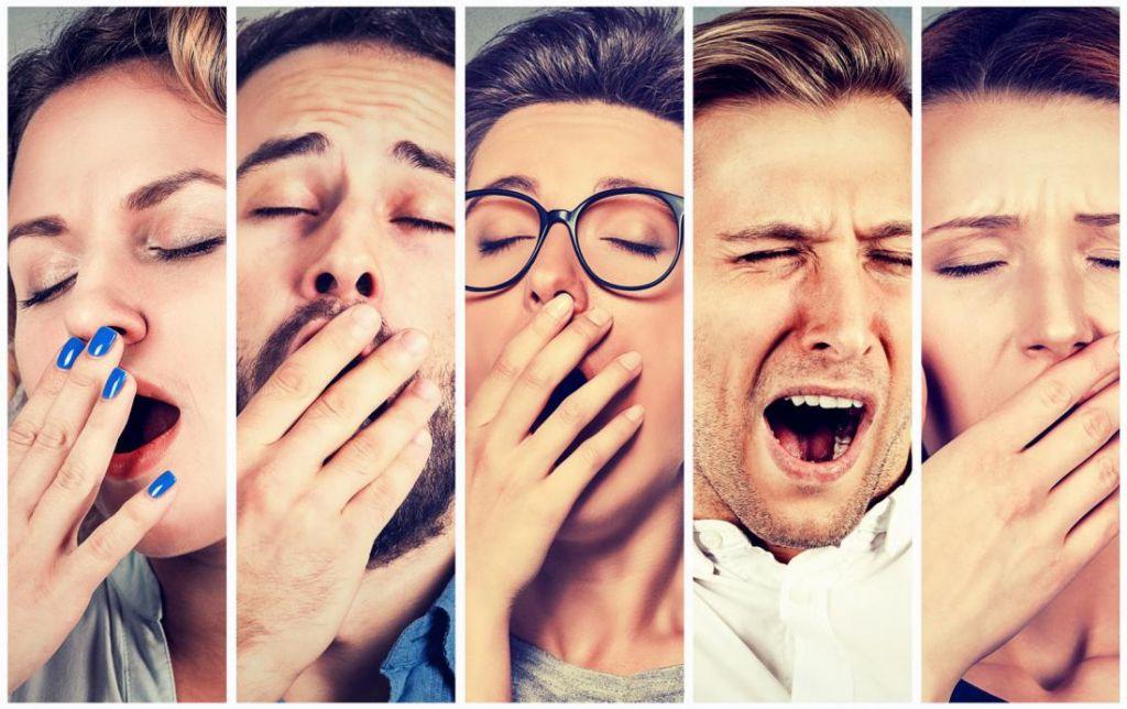 Зевота отличается удивительной заразительностью, из-за чего она получила название зеркальной зевоты. Так, если идет скучная лекция и кто-то вдруг сладко зевнет, очень быстро этот процесс распространится на всю аудиторию.