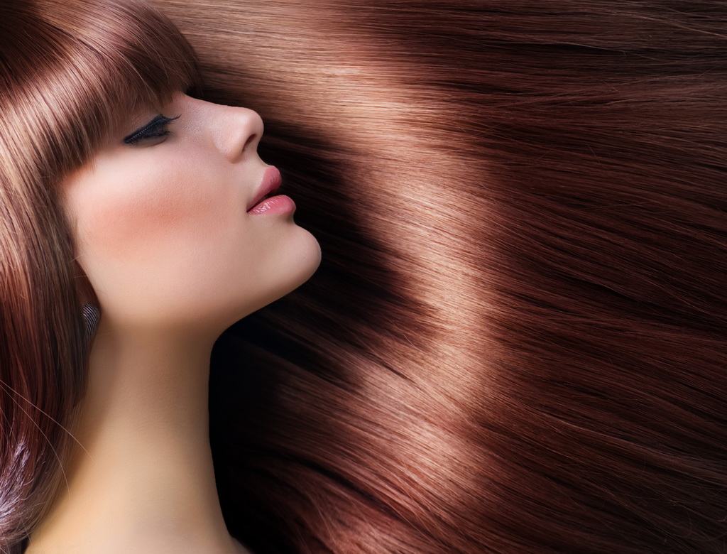 Какие витамины пить при выпадении волос у женщин