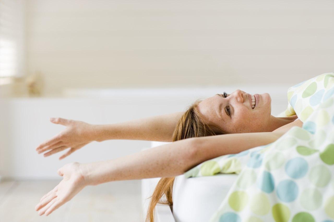 Соблюдая практику пятичасового сна, важно придерживаться не только быстрого засыпания, но и аналогичного пробуждения.