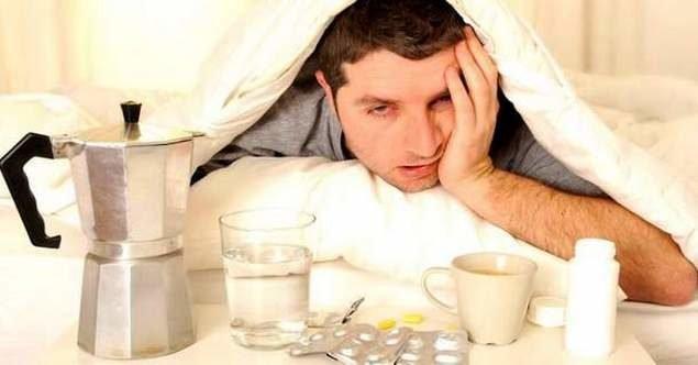 Прежде чем узнавать, что делать с бессонницей после запоя, следует разобраться, что именно происходит с организмом в этот период. Только выяснив, что мешает уснуть, можно подобрать схему дальнейших действий.