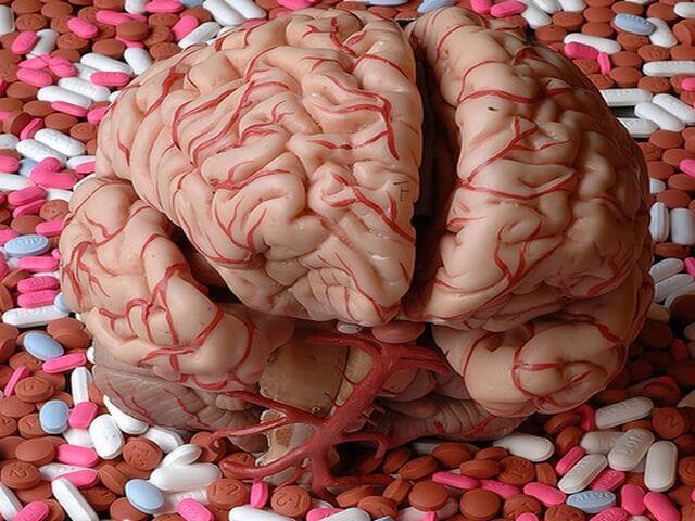 Все снотворные и седативные препараты угнетают активность нервной системы.