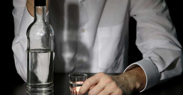 Пить водку при подагре можно или опасно? Действие алкоголя на заболевание