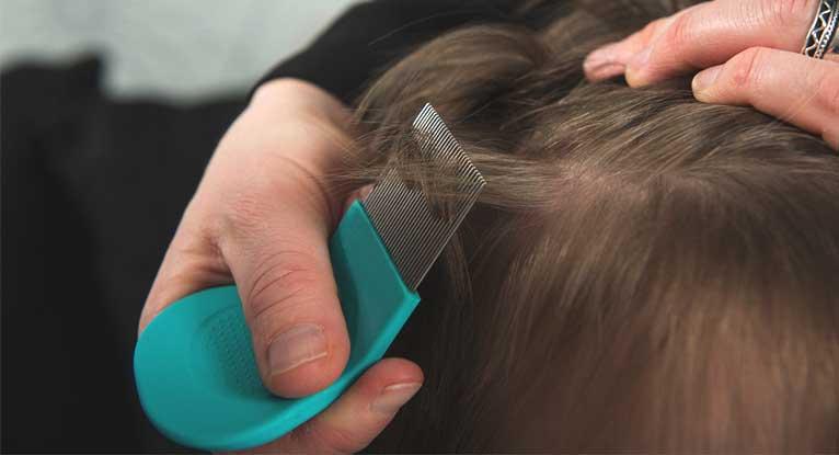 Способ применения дегтярного мыла от вшей и гнид