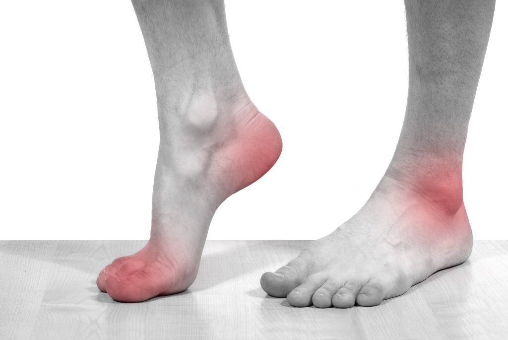 Какими методами лечить, если опухло колено и болит при сгибании