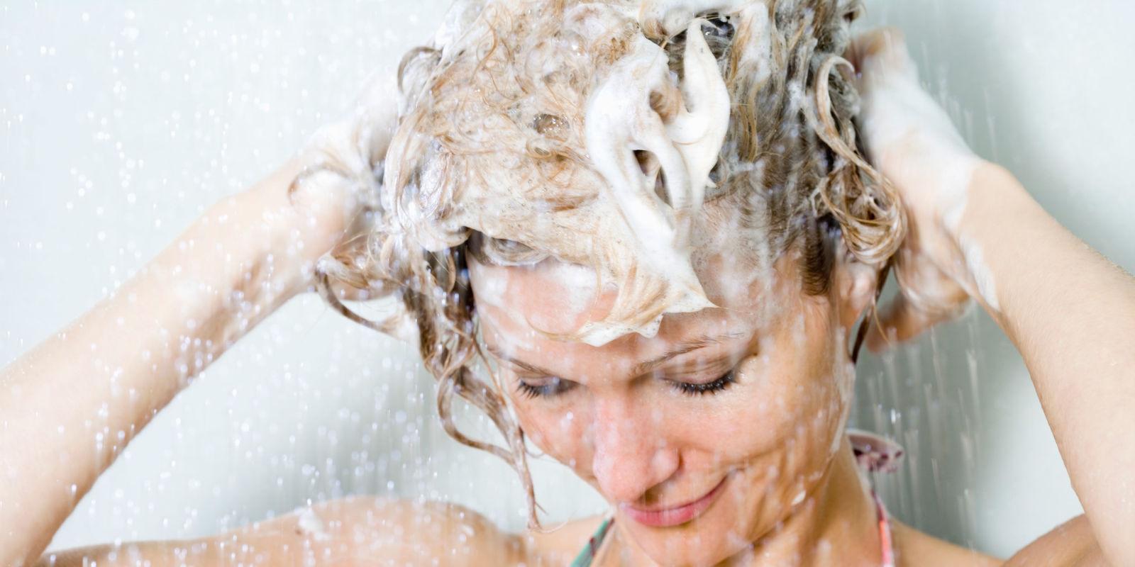 Сильно выпадают волосы у женщин что делать, как решить проблему