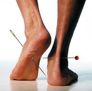 Что означают тянущие боли в ногах при остеохондрозе и как их лечить