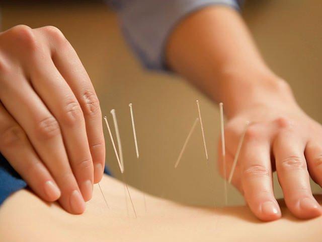 Что делать и как правильно лечить межпозвонковую грыжу в пояснице в период обострения?